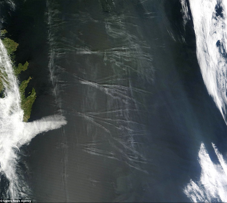 Chemtrails pesado cruzando o Atlântico em 26-05-2012